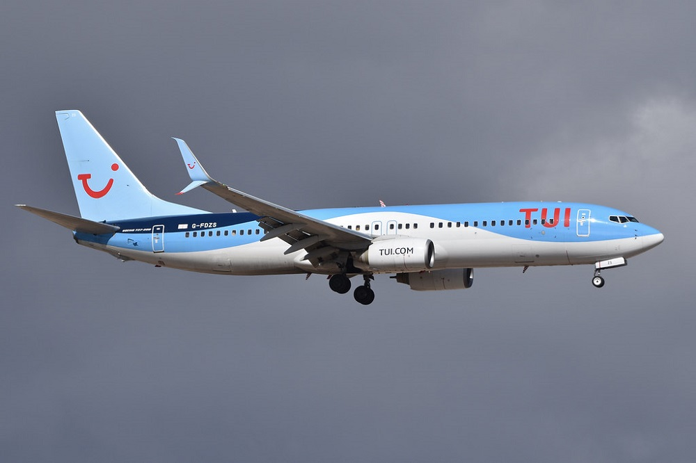 TUI Airways Boeing 737